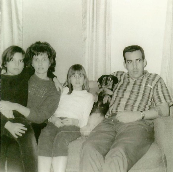 Laurie, Mom, Ruth, Heidi and Dad